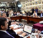 Fracciones comienzan a mover sus fichas por votos para plan fiscal