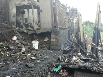 a9f604d82 Suben a 3 los muertos por incendio en Tibás; hay 4 desaparecidos